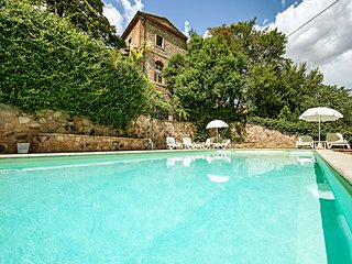 2 bedroom Apartment in Bettolle, Tuscany, Italy : ref 5490437