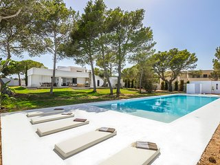 5 bedroom Villa in Cala Gracio, Balearic Islands, Spain - 5581836