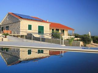 5 bedroom Villa in Tkon, Zadarska Županija, Croatia : ref 5622510
