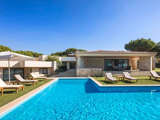 5 bedroom Villa in Benfarras, Faro, Portugal : ref 5480182