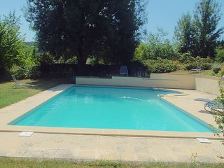 La Petite Maison  1 bedroom cottage; private garden, set in 9 acres of parkland