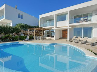 Arenal d'en Castell Villa Sleeps 8 with Pool Air Con and WiFi - 5334741
