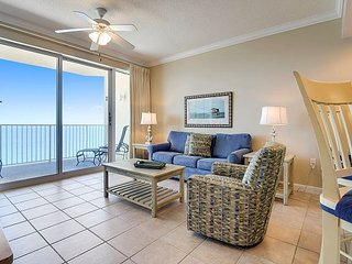 2bd/2ba GULF FRONT CONDO w/Sleeper Sofa~ BOOK NOW for fall savings!