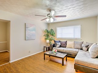 NEW! Chic Dallas Apartment - 4 Miles to Downtown!