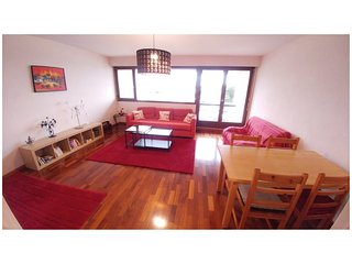 Bright, quiet & spacious apartment with balcony