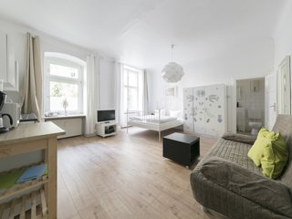 primeflats - Cozy Apartment in Charlottenburg between Charlottenburg Palace & Ge