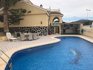 Villa Cueva, perfectly located and no car needed!