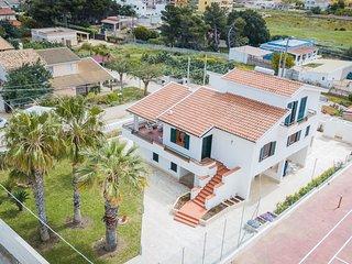 Appartamento con terrazza vicino al mare