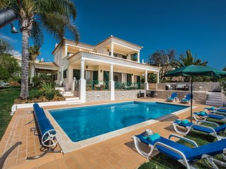 A luxurious 4 bed villa, close to golf, restaurants and Vilamoura marina