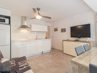 Nice renovated apartment for 7 people located in Salou a few meters to the beach