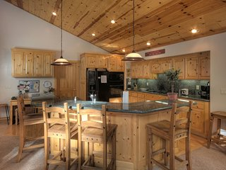 Tahoe Luxury Rental Home - Garage, Pool & Pier Access
