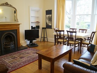 Lovely ground floor, family friendly Marchmont apartment, central Edinburgh