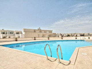 Swieqi Holiday Complex With Pool