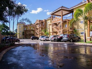Contemporary Kingston 6 Pied-a-terre-, $25 Airport Pickup