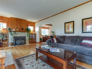 Cozy, dog-friendly home w/fiber optic cable, gourmet kitchen - bus to Schweitzer