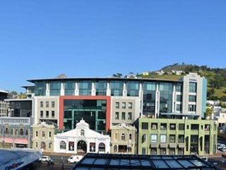 Apartment 207 m from the center of Cape Town with Internet, Pool, Air conditioni