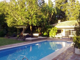 Villa in Marbella with Internet, Pool, Air conditioning, Parking (960887)