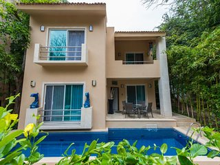4 Bedrooms House 2 Blocks from the Beach Playacar Phase 1