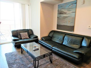 2 Bed/2 Bath Urban Style Unit w/ Parking (S34)