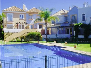 Luxurious charming villa in Marbella close to Puerto Banus. WIFI. Golf. Piscinas