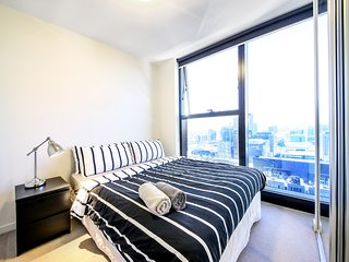 COSY CBD Suites on COLLINS, CITY VIEWS + FREE WiFi