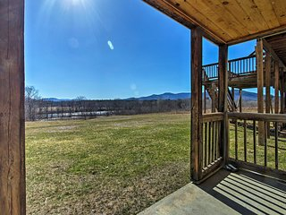NEW! Cozy Bethel Apt. Mins to Sunday River Resort!
