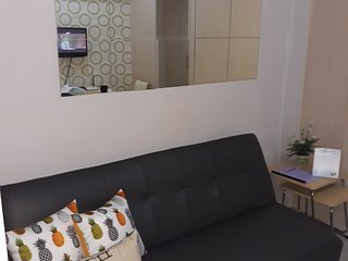 Fully furnished simple one bedroom
