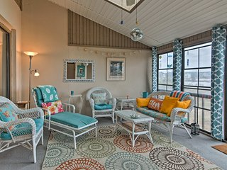 Bethany Beach Resort Townhome on Salt Pond!
