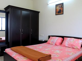 Cozy 2 Bedroom apt close to Candolim Beach CM012