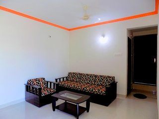 Spacious n Cozy 2BHK with Pool View in Candolim CM011