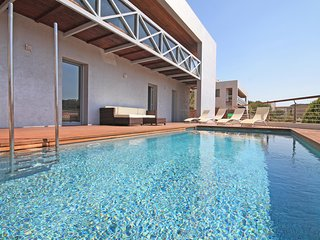 Holiday rentals villa in L´Escala with pool