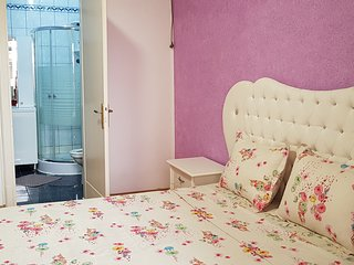 Extra Large 2 bedroom apt. NB24