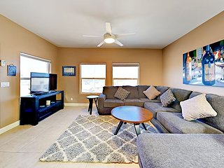Newly Renovated 2BR w/ Private Balconies - Walking Distance to Oceano Dunes