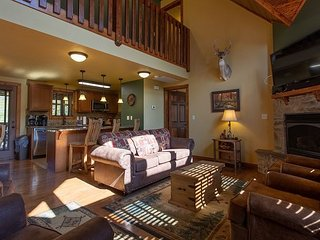 Beautiful Decorated 6 Bedroom Lodge Located at Stonebridge Resort