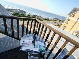 Shellsborough Penthouse a super 2 bed seafront apartment with fantastic view