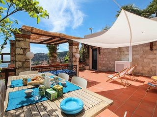 Large terrasse - Superbe vue mer - Barbecue