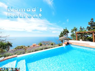 NOMAD'S RETREAT *** private heated infinity pool & hot tub *** splendid sea view