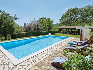 4 bedroom Villa in La Vigna, Tuscany, Italy : ref 5537497