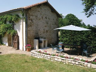3 bedroom Villa in Saint-Coutant-le-Grand, Nouvelle-Aquitaine, France : ref 5565