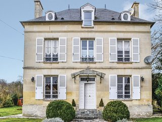 5 bedroom Villa in Cires-lès-Mello, Hauts-de-France, France : ref 5532876