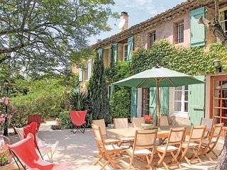 5 bedroom Villa in Mondragon, Provence-Alpes-Cote d'Azur, France : ref 5537739