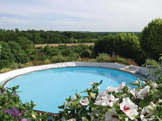 6 bedroom Villa in Gençay, Nouvelle-Aquitaine, France : ref 5534973