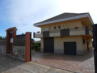 Ref 11.- Gran casa para 10 personas, con wifi, barbacoa, jardin. Zona tranquila.