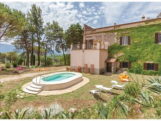 5 bedroom Villa in Dodici Angeli, Campania, Italy : ref 5535331