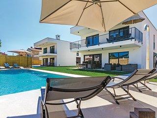 3 bedroom Apartment in Medulin, Istria, Croatia : ref 5532843