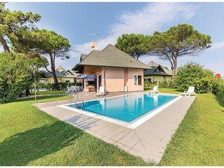 3 bedroom Villa in Isola Albarella, Veneto, Italy : ref 5537591