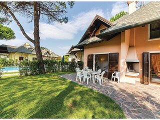 3 bedroom Villa in Isola Albarella, Veneto, Italy : ref 5537593