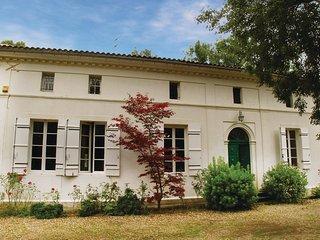 13 bedroom Villa in Saint-Médard-de-Mussidan, France - 5536062