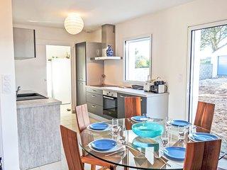 3 bedroom Villa in Saint-Pierre-Quiberon, Brittany, France : ref 5544245