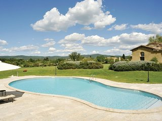 2 bedroom Apartment in Rapolano Terme, Tuscany, Italy : ref 5536581